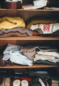 Bli av med malar i garderoben